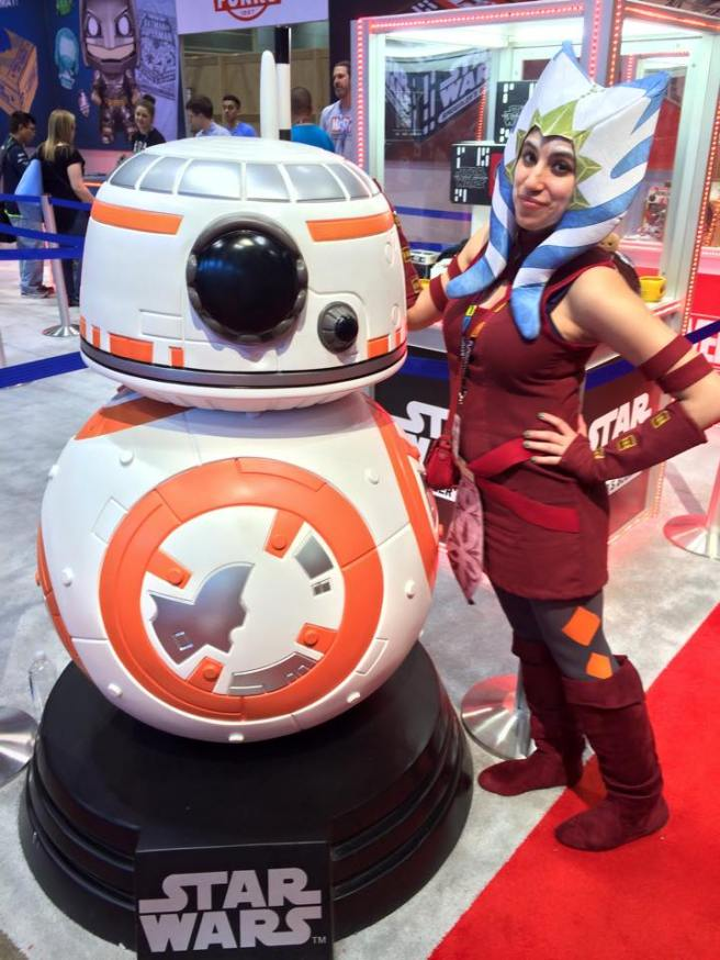 ahsoka and giant bb8